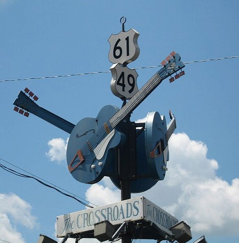 S589pxclarksdalems_crossroads